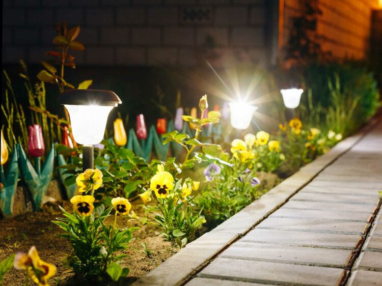 Lampes solaires, comment les faire redémarrer : Femme Actuelle Le MAG