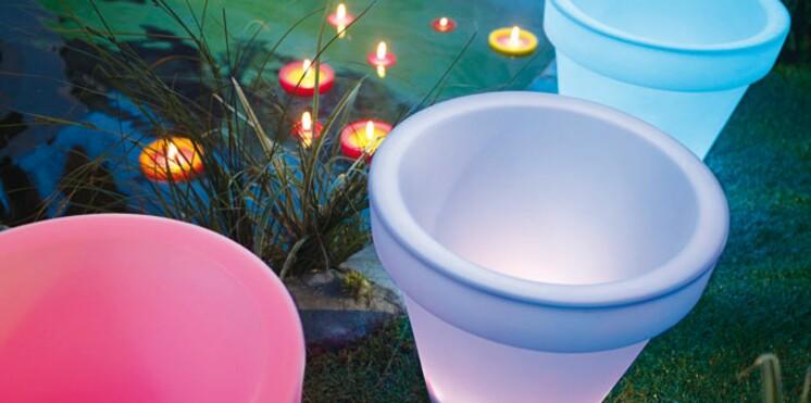 Luminaires d'extérieur : égayez votre jardin cet été