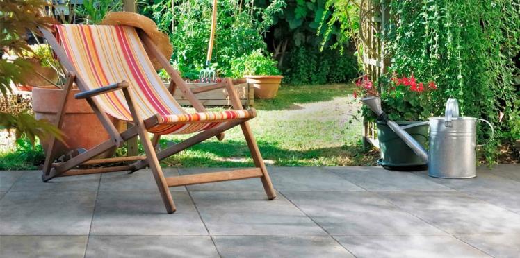 Terrasse en pierre, la tendance déco de l'été