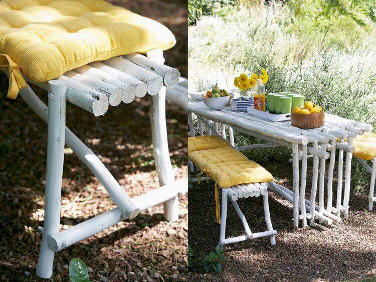 fabriquer une table et un banc de jardin avec des rondins femme actuelle le mag. Black Bedroom Furniture Sets. Home Design Ideas