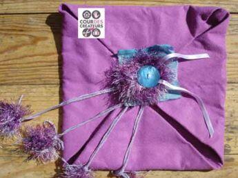 Bourse cadeau, en feutre et laine tricotée