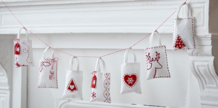 Déco de Noël : des mini sacs surprises