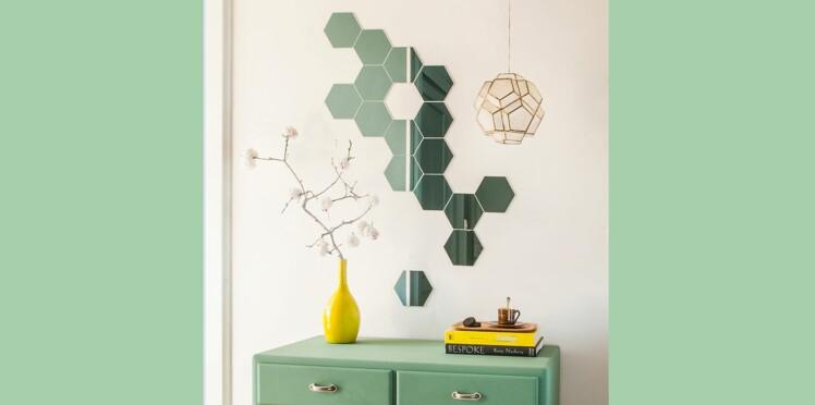 d corer un mur avec des miroirs femme actuelle le mag. Black Bedroom Furniture Sets. Home Design Ideas