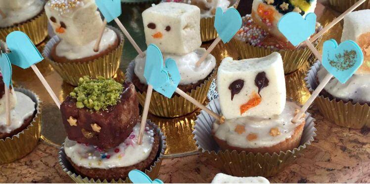 Des bonhommes de neige en guimauve pour ma table de Noël