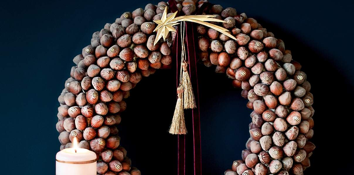 Une couronne de Noël originale avec des noisettes