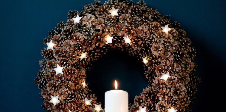 DIY de Noël : une couronne pas chère en pommes de pin