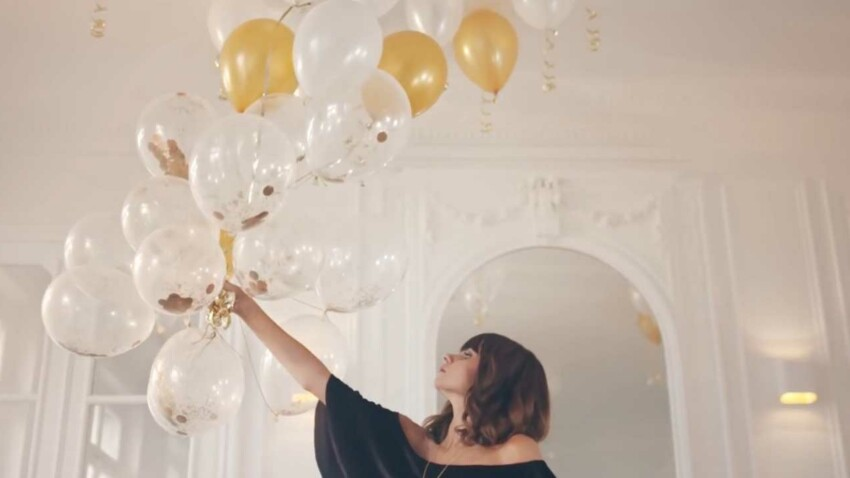 DIY Facile : des ballons pailletés pour votre déco de fête