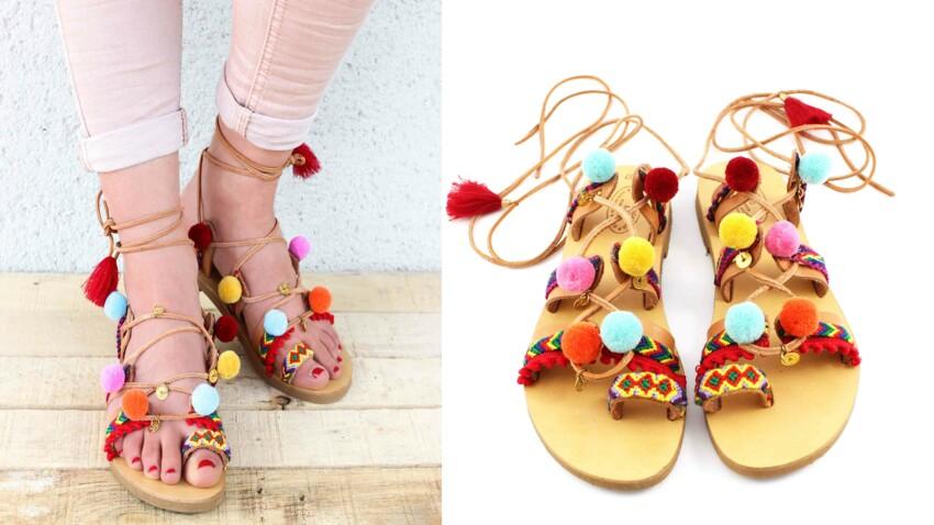 Les sandales à pompons