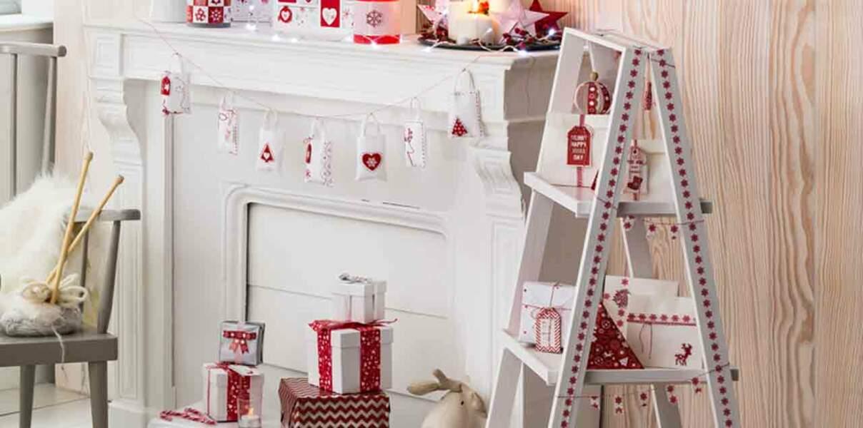 Je crée un sapin en étagère pour Noël