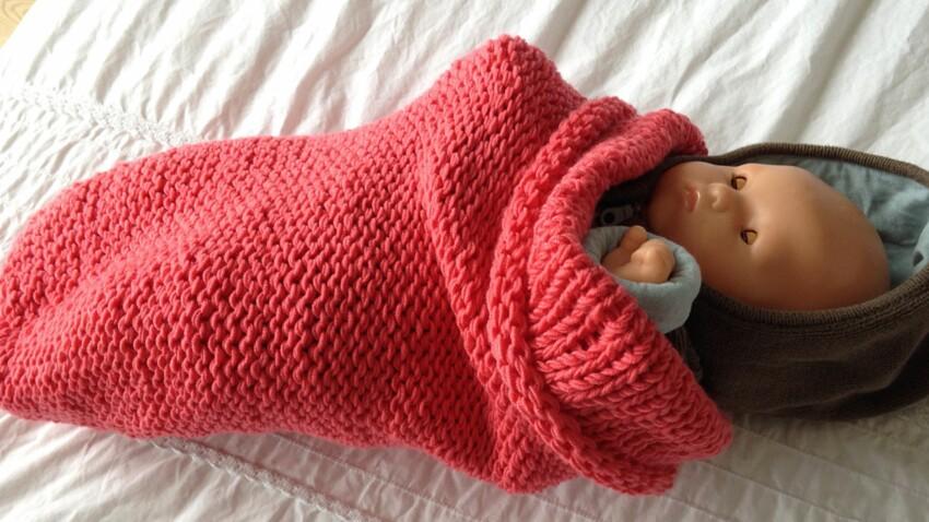 Tricot bébé : une chaussette d'emmaillotage