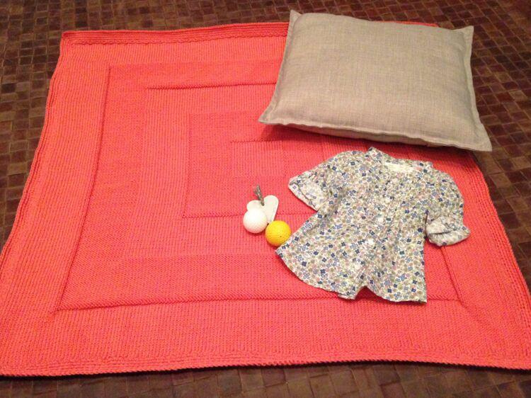 Tricot bébé   une couverture facile   Femme Actuelle Le MAG cbc0040f1f2