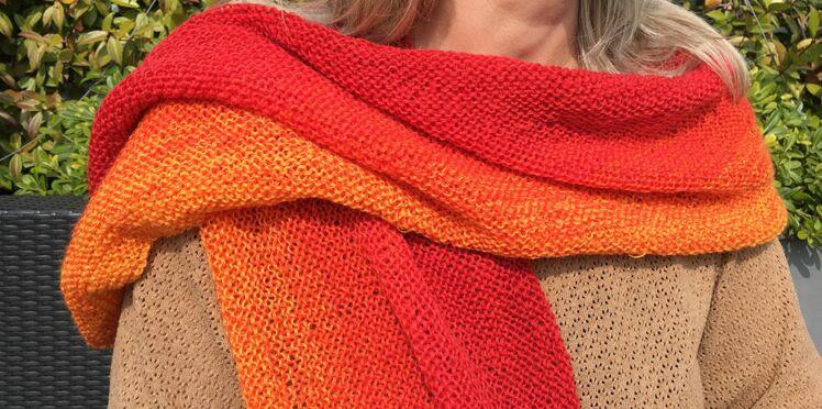 Tricot débutant : une écharpe en tie and dye