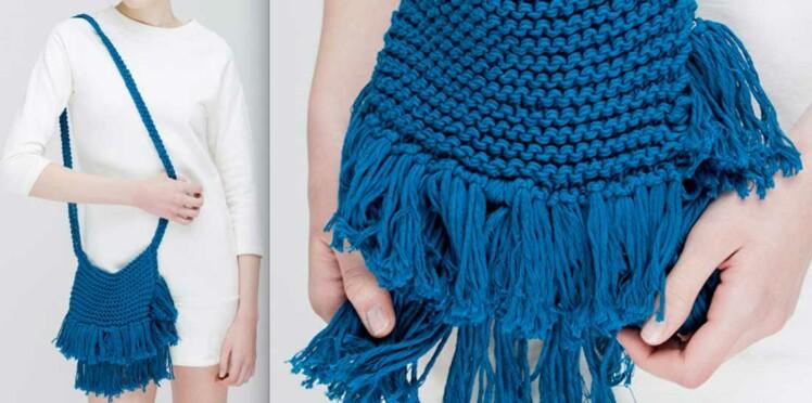 Tricot : un sac besace à franges avec We are knitters