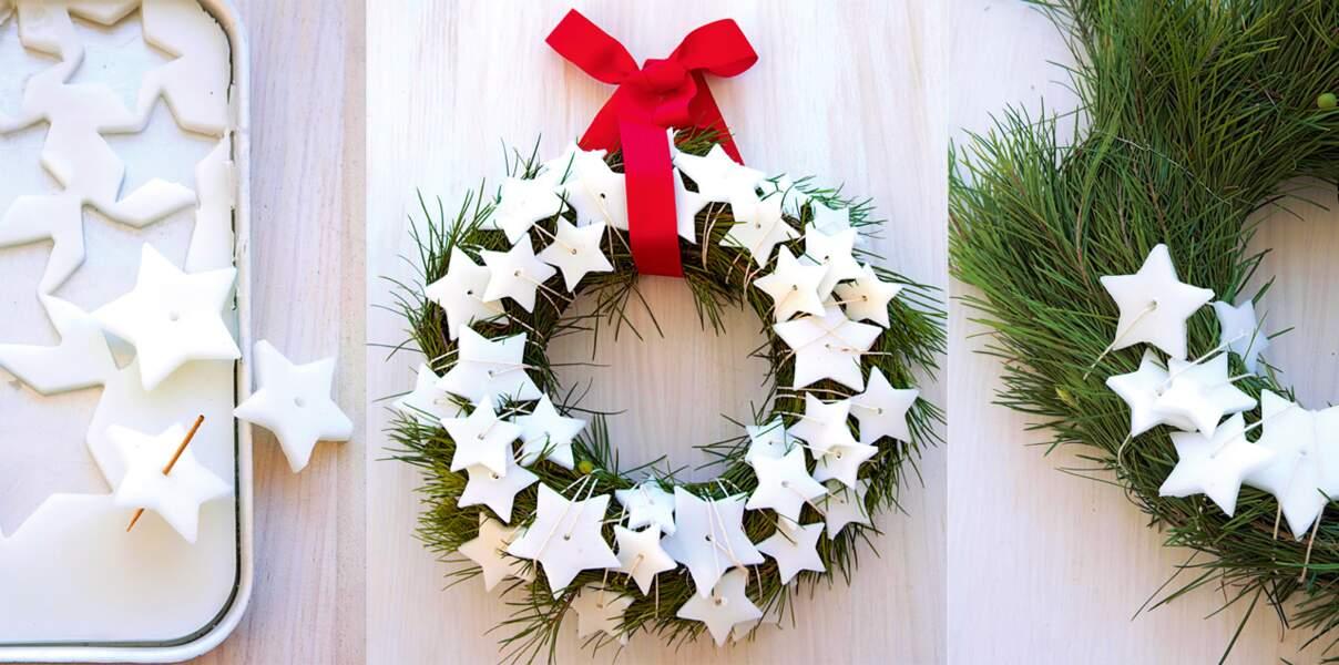 Une couronne de Noël végétale à étoiles