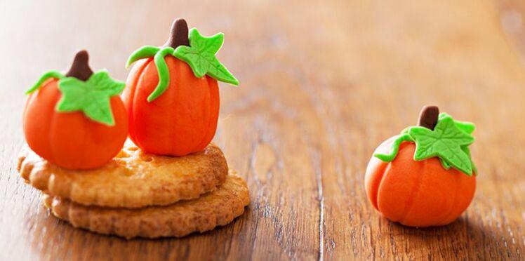 Vidéo : une citrouille en pâte à sucre pour Halloween