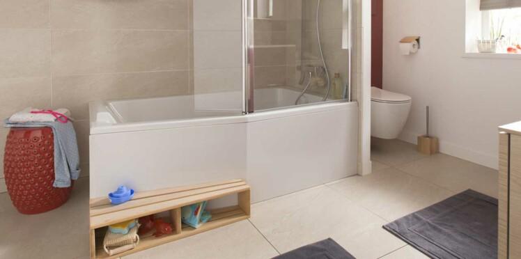 baignoire douche le 2 en 1 dans la salle de bains femme actuelle le mag. Black Bedroom Furniture Sets. Home Design Ideas