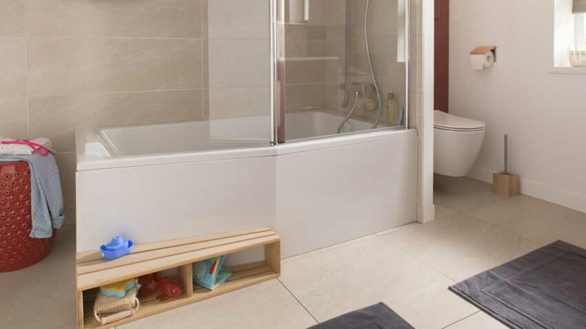 Baignoire douche : le 2 en 1 dans la salle de bains
