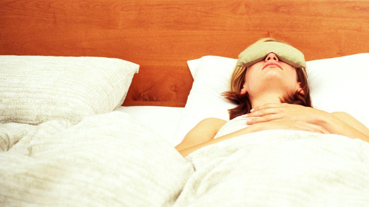 Tete De Lit Contre Radiateur 7 astuces pour avoir une chambre feng shui : femme actuelle