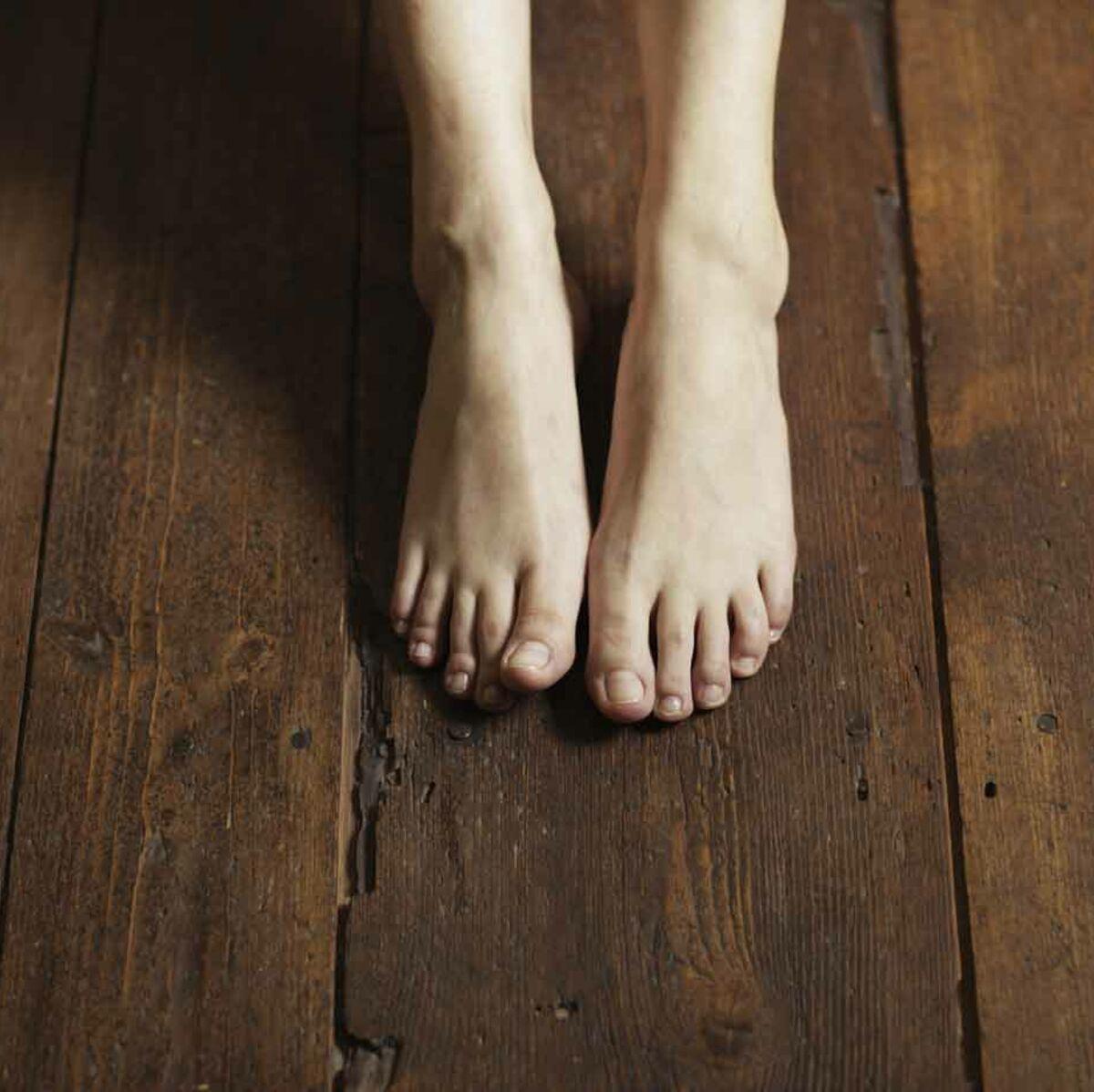 Comment Enlever Des Rayures Sur Parquet Flottant comment entretenir un parquet vernis ou huilé ? : femme