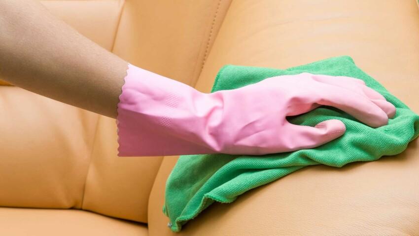 Comment nettoyer son canapé en cuir