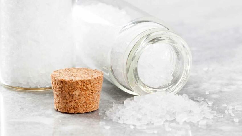 Ménage au naturel : les vertus des cristaux de soude