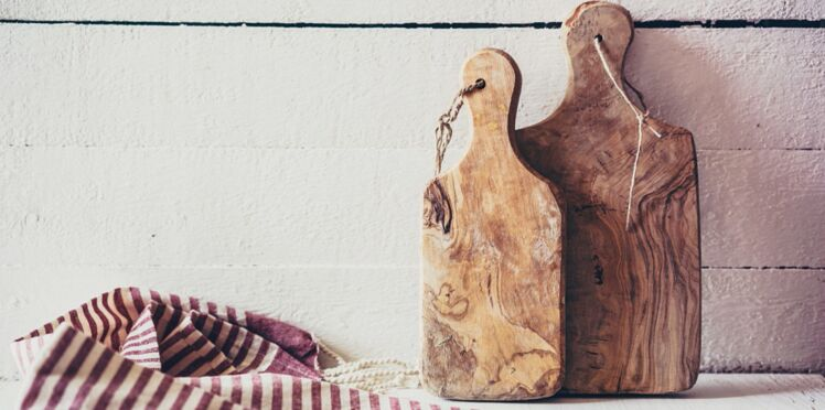 Planche à découper en bois ou en PVC : la plus hygiénique n'est pas celle qu'on croit