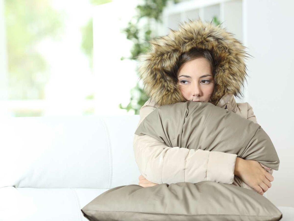 Comment Gagner De La Chaleur Dans Une Maison vague de froid : comment garder sa maison au chaud : femme