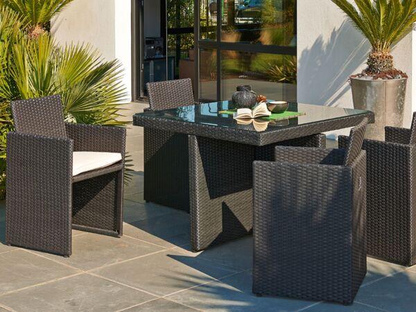 bon plan pour arroser son jardin femme actuelle le mag. Black Bedroom Furniture Sets. Home Design Ideas
