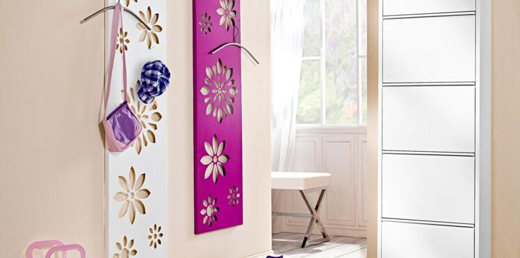 Des panneaux fleuris pour le vestiaire