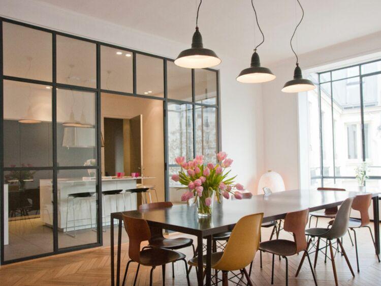10 ides pour amnager sa cuisine avec une verrire atelier femme actuelle le mag