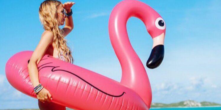 La bouée flamant rose, le it à avoir à la plage cet été