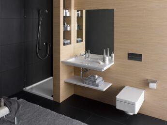 Rénovation de salle de bains : comment s\'y prendre ? : Femme ...
