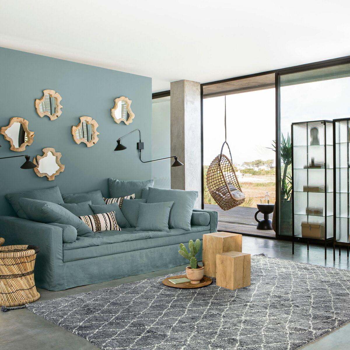 Tendance gris bleuté pour une déco de salon douce et naturelle