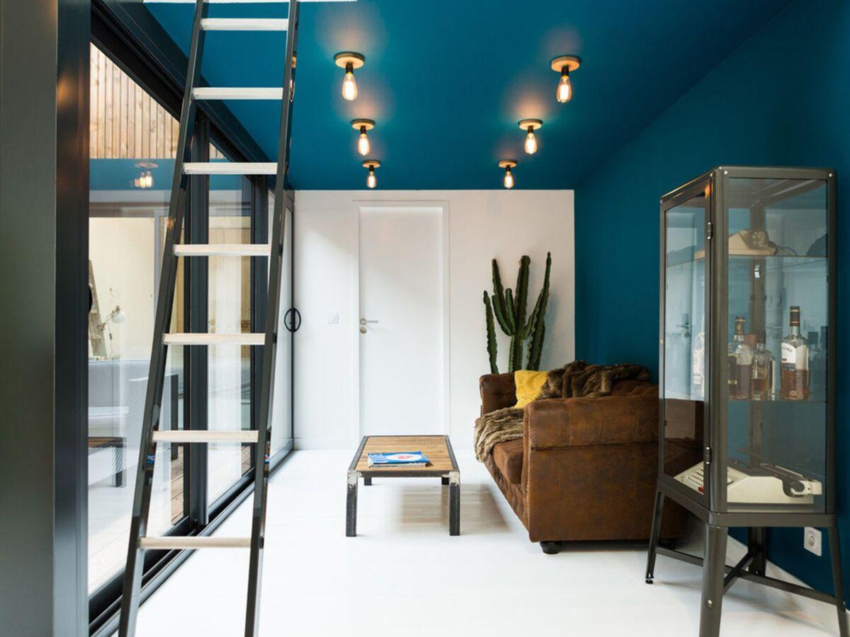 Tendance : les plafonds de couleur structurent la déco : Femme