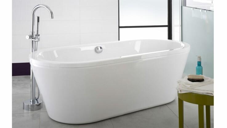 une baignoire ilot c est pour moi femme actuelle le mag. Black Bedroom Furniture Sets. Home Design Ideas