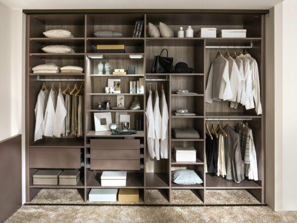video un dressing sur mesure pour un couple femme actuelle le mag. Black Bedroom Furniture Sets. Home Design Ideas