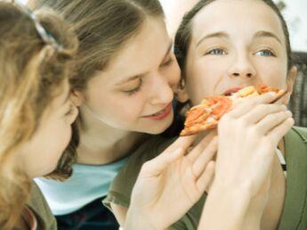 Les étudiants mangent mal