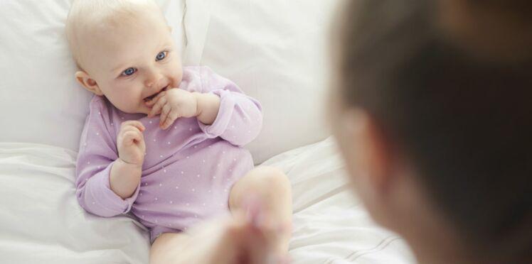 A quel âge bébé commence-t-il à parler ?