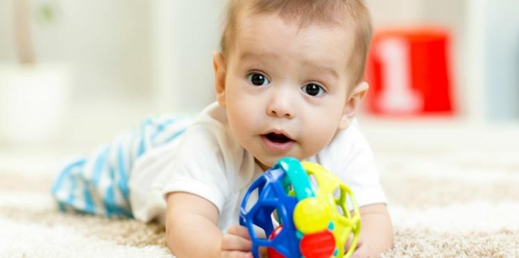 Bébé a 6 mois: ce qu'il faut savoir sur son développement