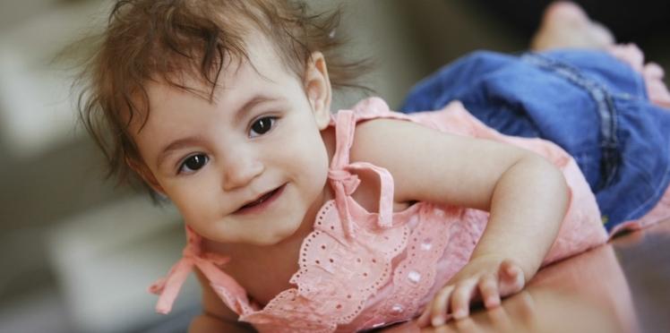 Bébé a 9 mois: ce qu'il faut savoir sur son développement