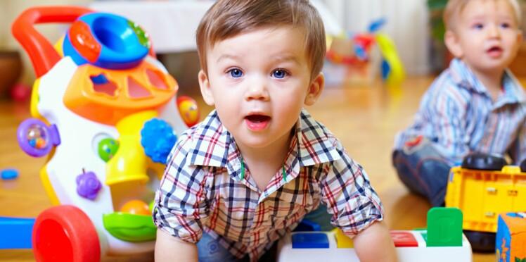 2605d9f0fce8 Bébé a 18 mois   ce qu il faut savoir sur son développement   Femme ...