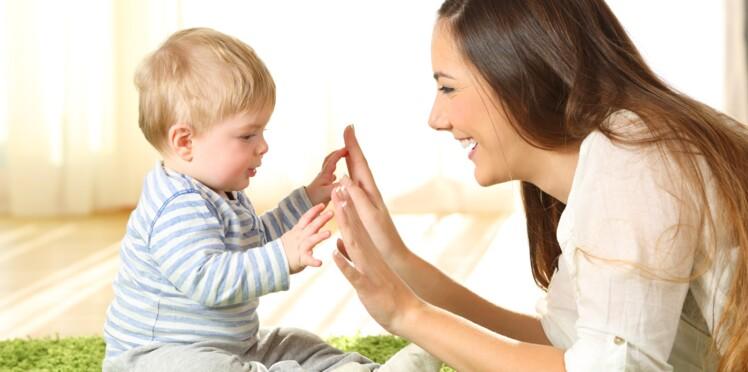 Langue des signes pour les bébés entendants : un moyen génial de les éveiller