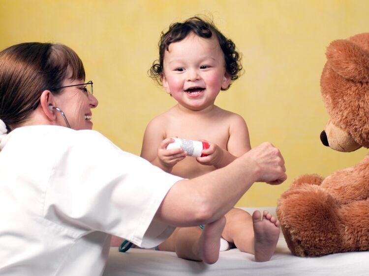 À quoi sert la kiné respiratoire chez bébé ? : Femme ...