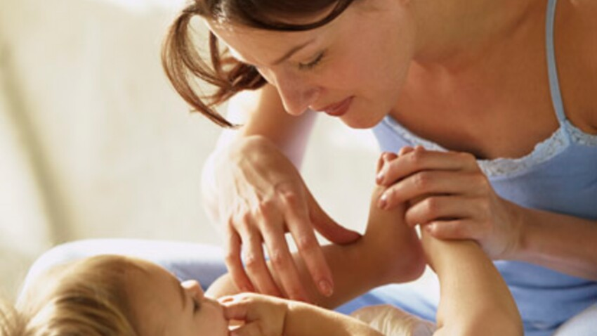 Apprenez à masser votre bébé