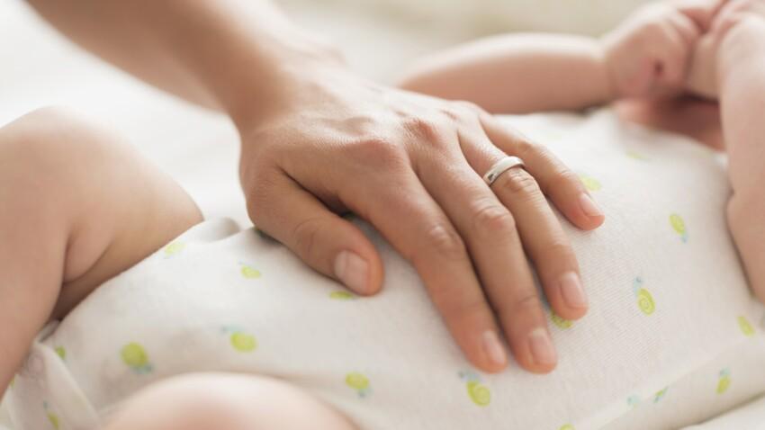 Comment changer la couche d'un bébé ? (vidéo)