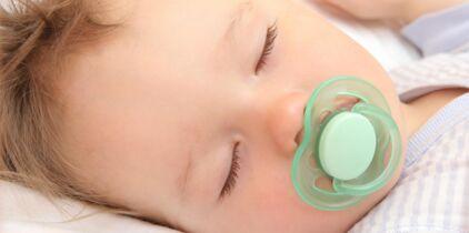 cee5babe23b Comment choisir son porte-bébé physiologique   Les conseils de l ...