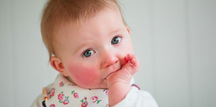 Poussées dentaires : les solutions pour soulager bébé
