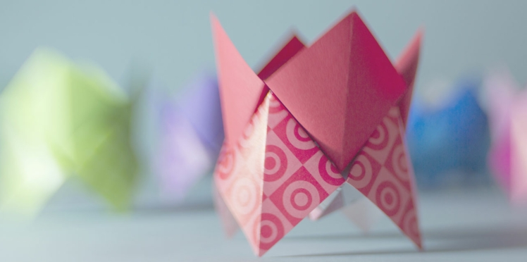 Créer un bilboquet en papier (vidéo)