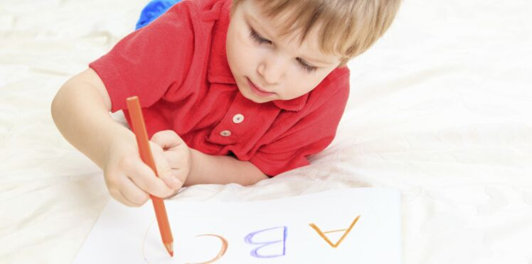 Montessori : 4 activités pour lui donner envie de lire et écrire
