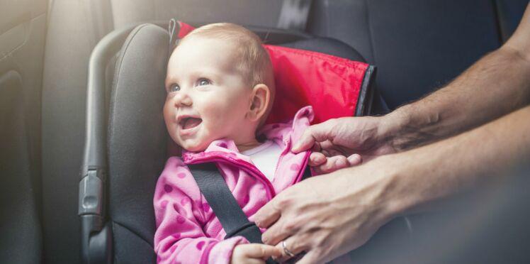 Bien attacher son enfant en voiture : les conseils de l'expert